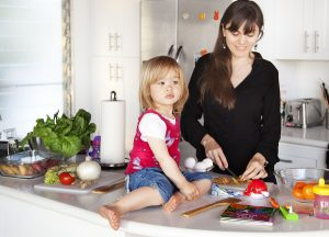 busy_mom-kitchen